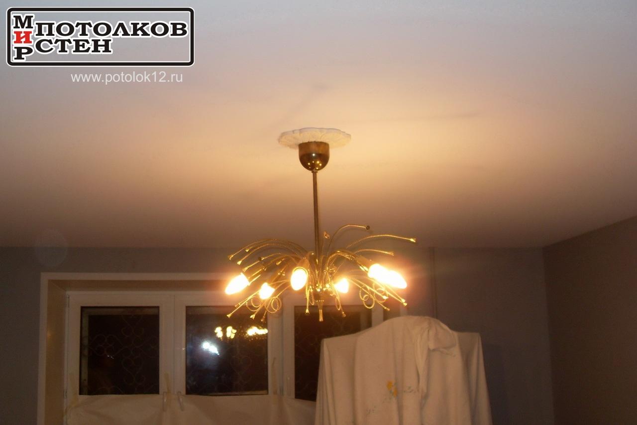 Натяжной потолок и лепнина